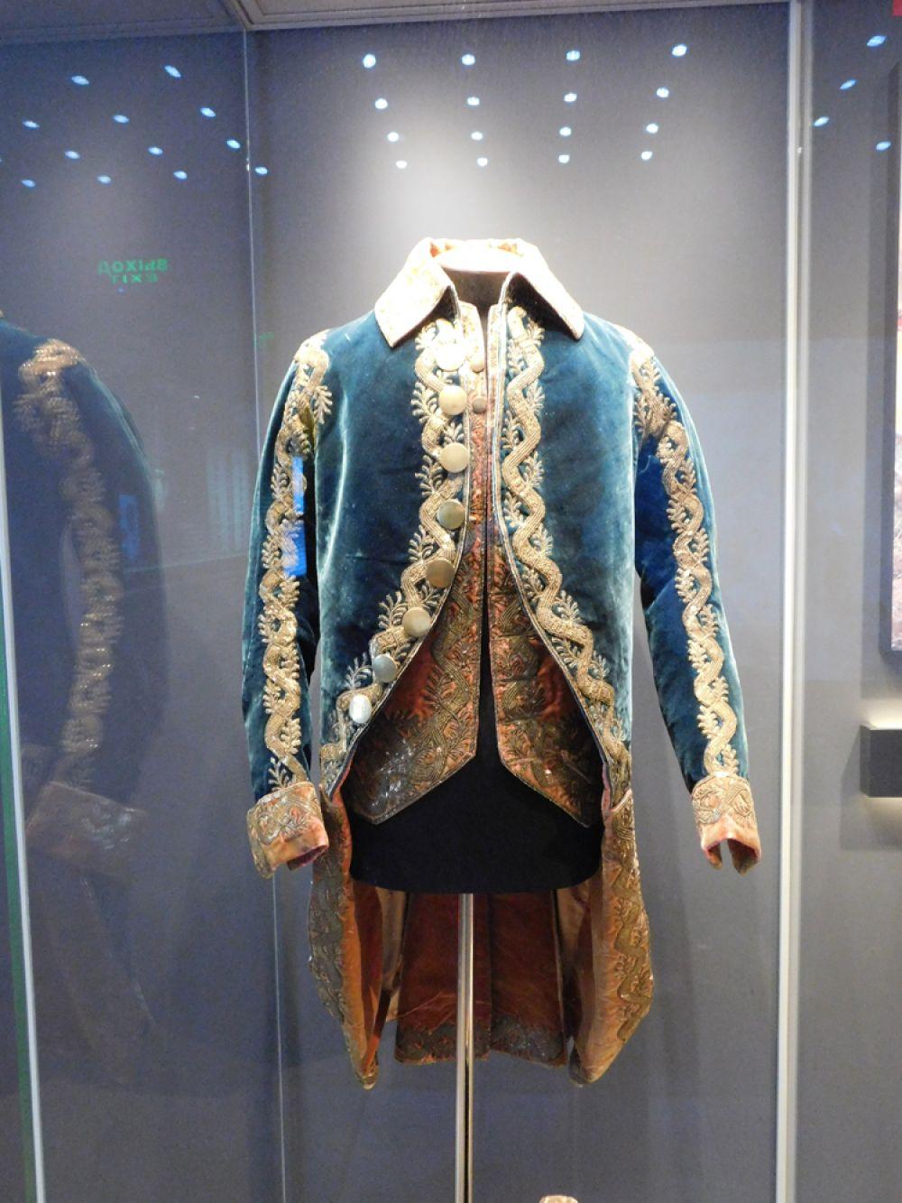 Кафтан и жилет мундира офицера кавалергардии. Конец 1780-х – начало 1790-х гг.