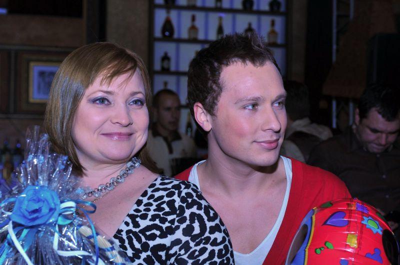 Светлана Пермякова (47) и Максим Скрябин (28).