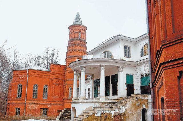 Усадьба Покровское-Стрешнево не раз служила местом, где разворачивались кинематографические сюжеты.