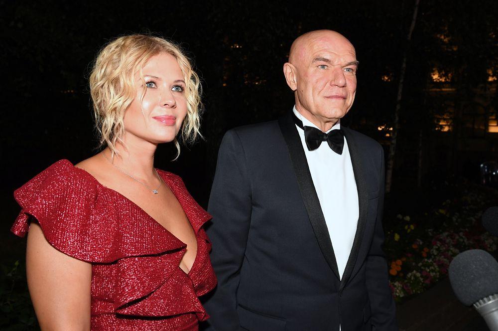 Сергей Мазаев (60) и Галина Мазаева (42).