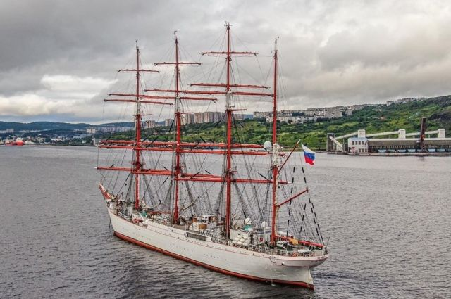 Парусник «Седов» дошёл до Северного моря