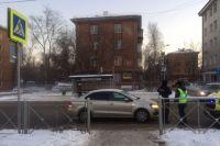 Напротив дома № 15 водитель нарушил правила дорожного движения - не уступил дорогу пешеходу - и сбил 20-летнюю девушку.