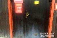 В Ровно неизвестные прикрепили предпринимателю к входным дверям гранату