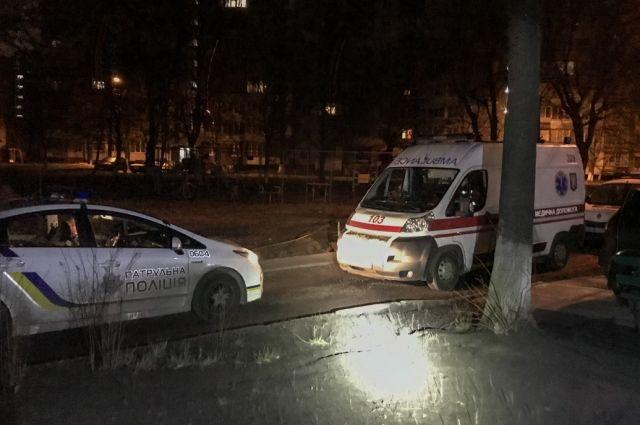 Жуткое происшествие: в Киеве во дворе многоэтажного дома обнаружили труп