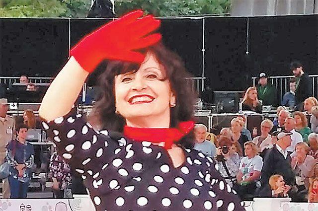 Жительница Щукина написала гимн «Московского долголетия».