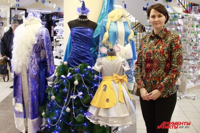 В магазинах «Всё для шитья и рукоделия» все уже готово к Новому году, при этом весь декор сделан руками сотрудников.