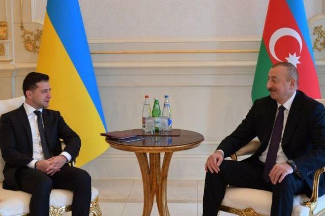Украина и Азербайджан подписали двусторонние договоры о сотрудничестве