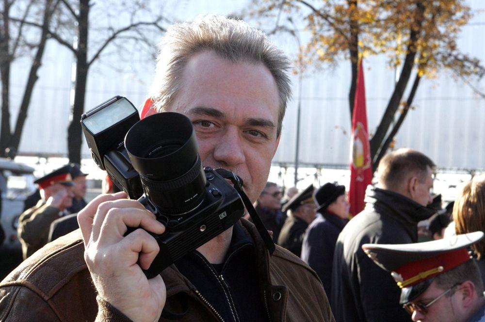 9 мая в возрасте 59 лет скончался главный редактор радиостанции «Говорит Москва» Сергей Доренко.