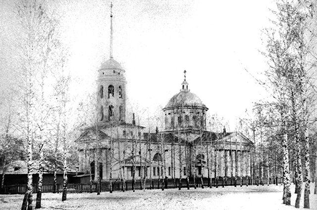 В Воскресенском кафедральном соборе совершали Божественную литургию.