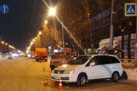 ДТП произошло в результате столкновения двух легковых автомобилей.