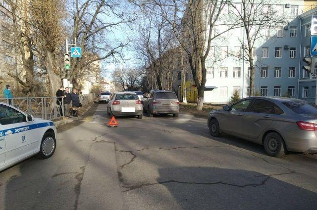 В центре Ставрополя шофёр с просроченными правами сбил женщину на «зебре»