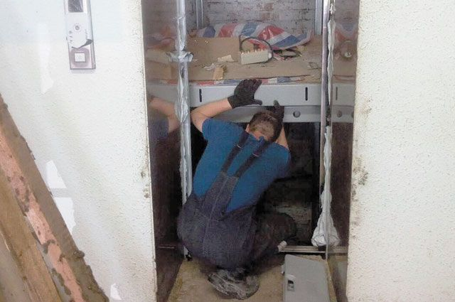 На сегодня уже заменили 730 устаревших лифтов.