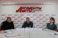 Дмитрий Глызин, Александр Кузнецов и Анастасия Снарская.