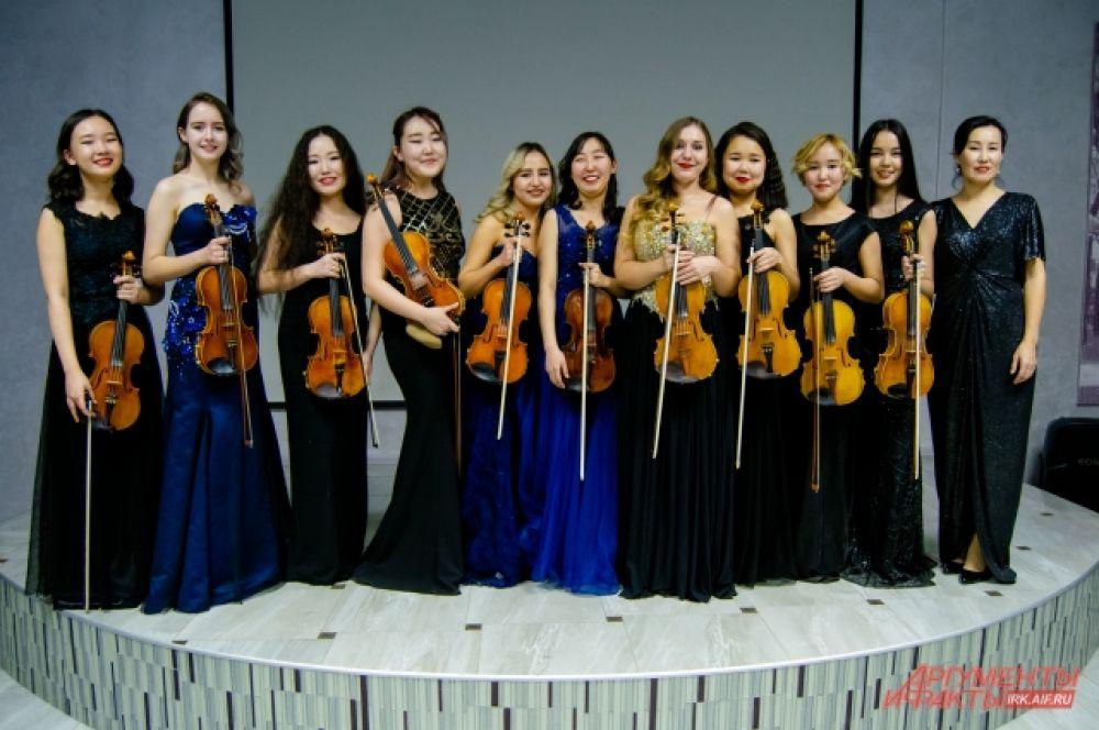 Долгожданные гастроли известного в России и мире ансамбля скрипачей «Виртуозы Якутии» прошли в Иркутске.