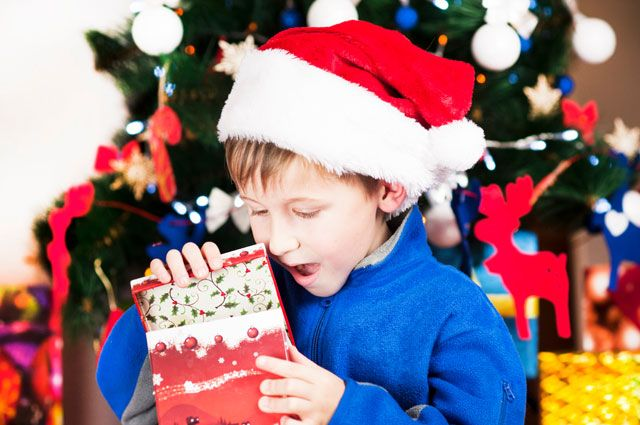 1600 рублей в среднем готовы потратить на подарки детям родители Красноярья