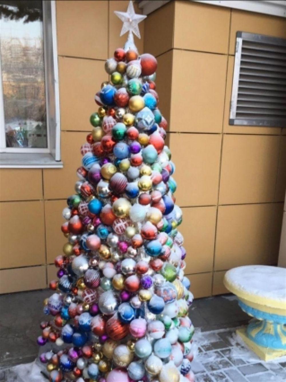 А в этой красавице больше 500 именных шаров!