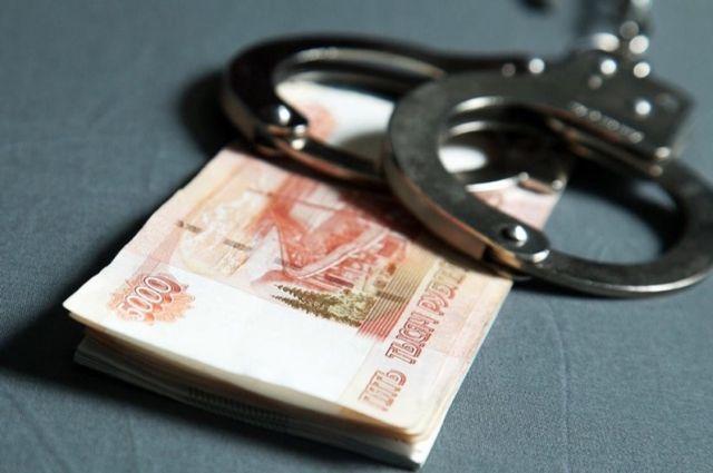 В Оренбурге пьяный водитель пытался откупиться от полицейского.