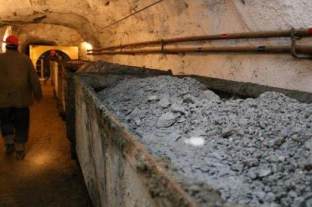 Кабмин направил на зарплаты шахтерам почти треть миллиарда гривен