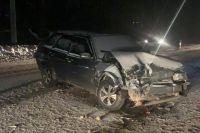 Автомобили столкнулись на Мочищенском шоссе, когда один из них выехал на полосу встречного движения.
