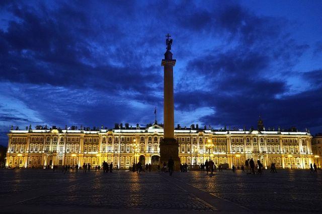 на Дворцовой площади в Петербурге пройдет дискотека 90-х.