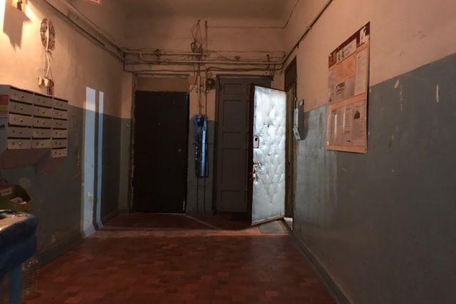 Утром молодой человек, находясь в состоянии алкогольного опьянения, зашёл в квартиру 64-летней жительницы Кунгура. На требование покинуть квартиру он никак не реагировал.