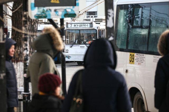 Схемы движения транспорта в Дзержинском районе скорректировали для пассажиров междугородних рейсов.