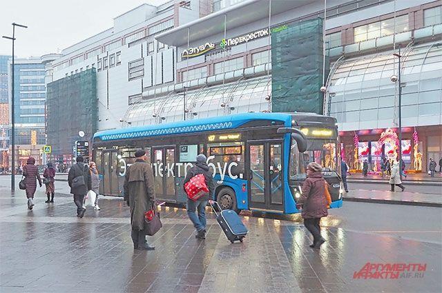 Первые электробусы вышли на маршруты 5 ноября. К настоящему моменту ими воспользовались 400 тысяч человек.