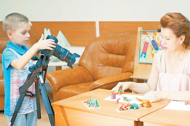 Снимать анимационное кино могут все. Дляэтого достаточно камеры, подручных материалов ифантазии.