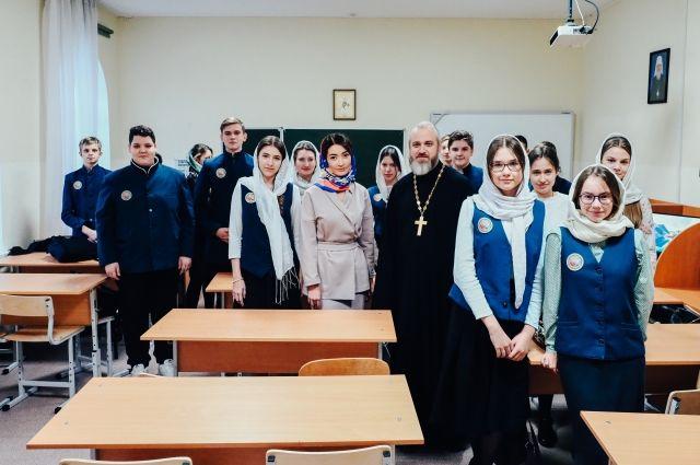 В Тюменскую православную гимназию поступили новые компьютеры