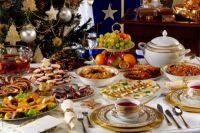 Не Оливье единым: какими салатами можно разнообразить стол на Новый год
