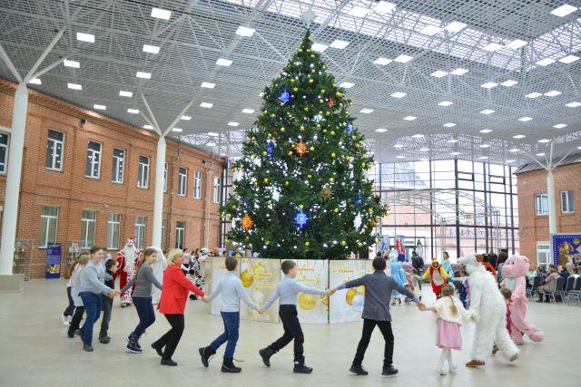 26 сирот из Красноярского края пригласили в Москву на ледовое шоу Навки