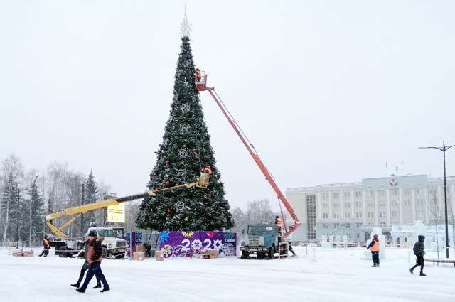Больше года ижевчане ждали открытия одного из самых знаковых мест города – центральной площади.