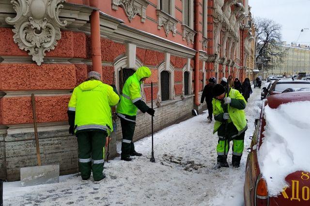 С 23 на 24 декабря с улиц города вывезли около 6 тысяч кубометров снега.