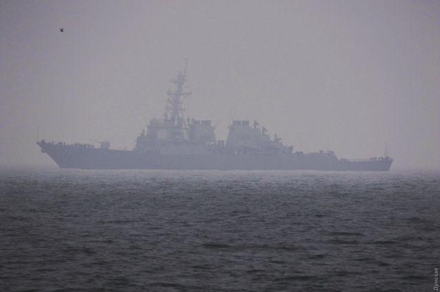 Американский ракетный эсминец «Росс» прибыл в Одессу