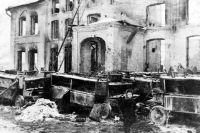 Калуга после освобождения. Руины театра. Январь 1942 года.