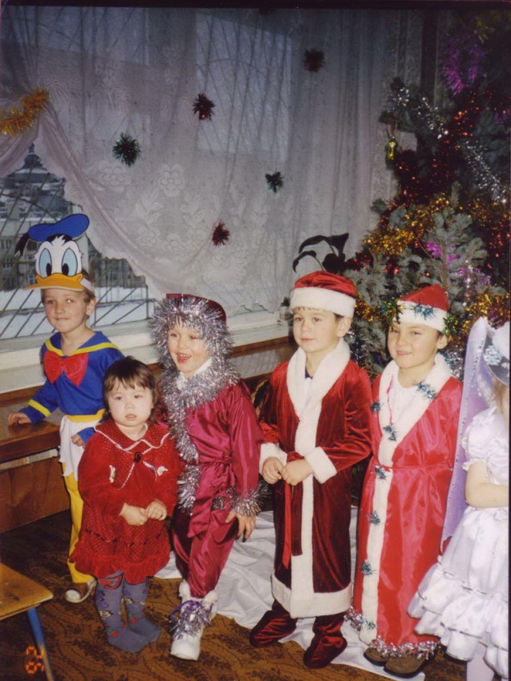 Утренник в детском саду, 2000 г.