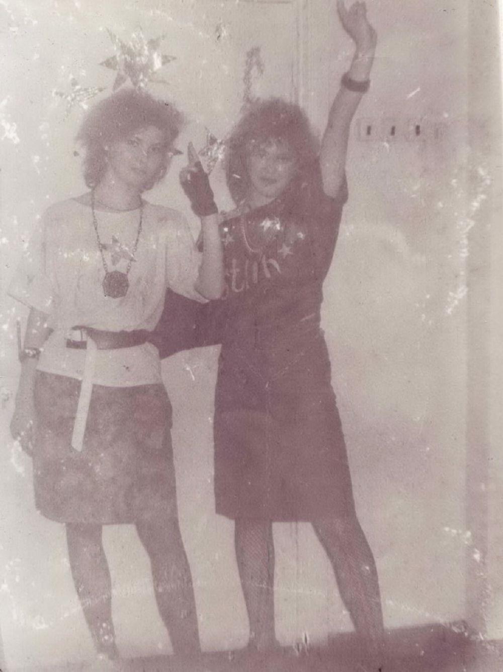 Студенты педагогического колледжа празднуют Новый год, 1987 г.