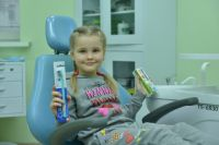 Каждый детский врач «Кристалла» - неплохой практический психолог, который умеет найти подход  к маленьким пациентам, развеселить, увлечь, подбодрить.