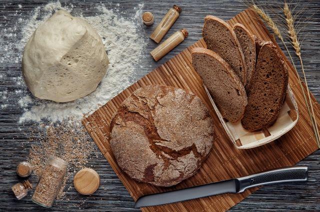 Легендарный хлеб ангарский «Дарницкий» пекут на предприятии уже более 35 лет по неизменной рецептуре.