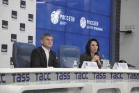 Игорь Маковский (слева) подробно рассказал об успехах текущего года и планах компаний на ближайшее будущее.