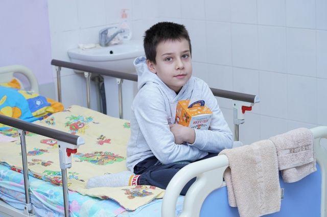 Пациенты Детской областной больницы получили новогодние подарки