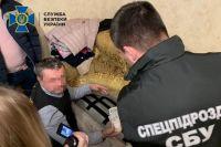 СБУ в Хмельницкой области задержала чиновника Минобороны на взятке