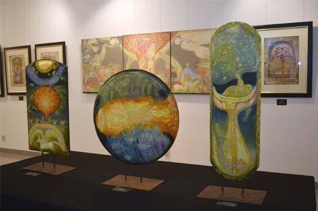 «Время уходит, вечность остаётся…» – так называется выставка Армена и Ольги Гаспарян, которая проходит в Центральном выставочном зале.