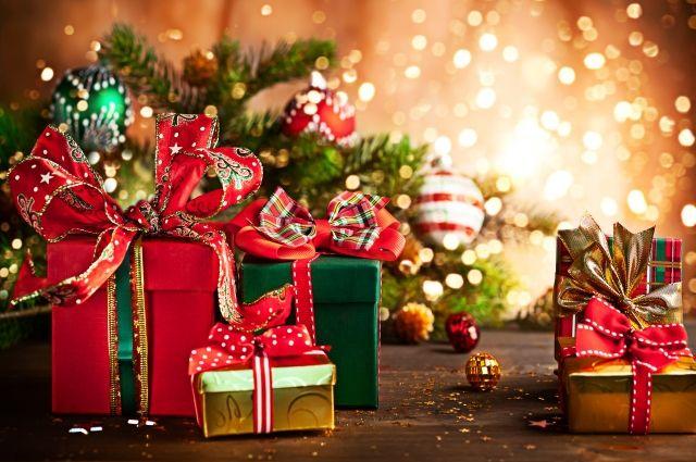 «Смартфоны и книги»: астролог рассказала, что нельзя дарить на Новый год