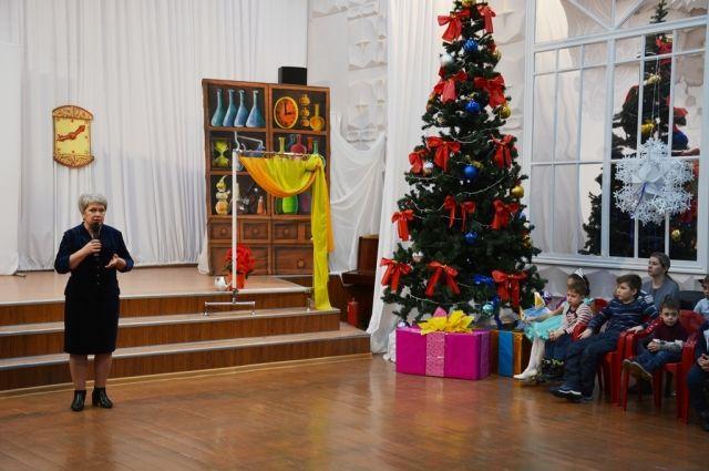 Ольга Березнева пожелала школьникам позитивных новогодних каникул.