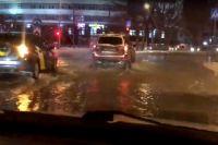 В Тюмени ликвидировали порыв водовода на улице Мельникайте