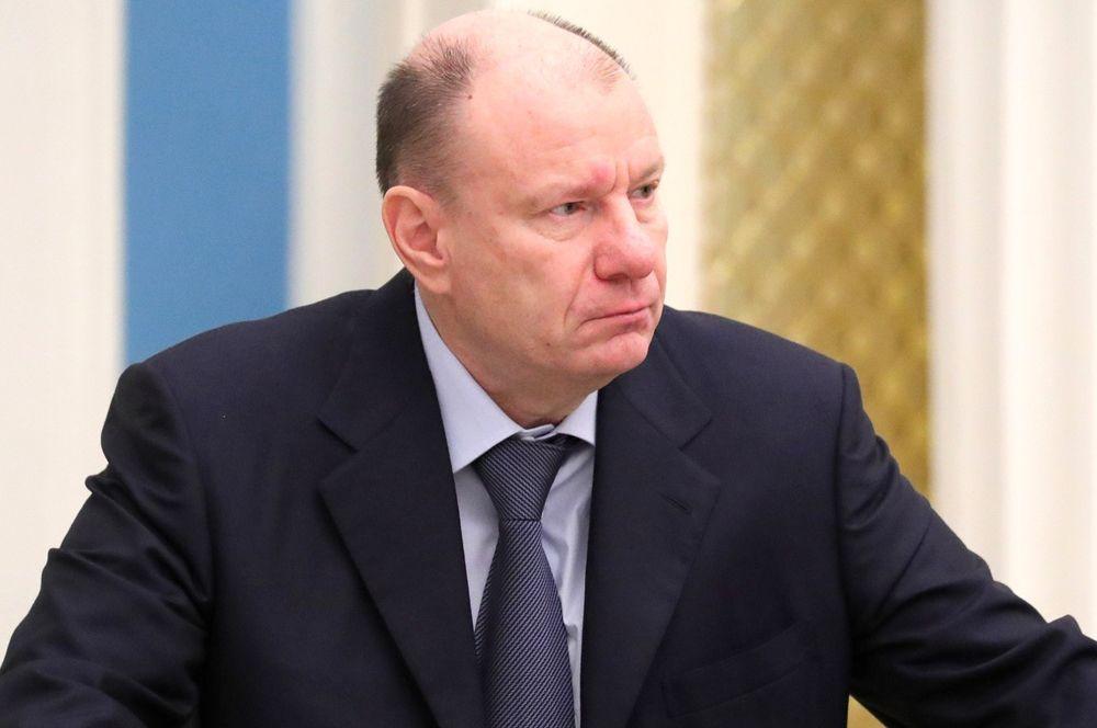 Третий в списке — совладелец «Норникеля» Владимир Потанин. Его состояние к концу 2019 года составляет $23,8 млрд, за десять лет оно увеличилось на $13,5 млрд.