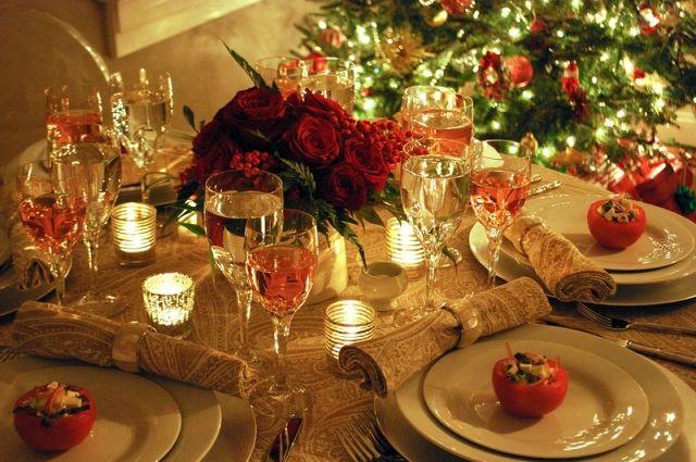 Новогодний стол: дешевый для богатых, дорогой для бедных