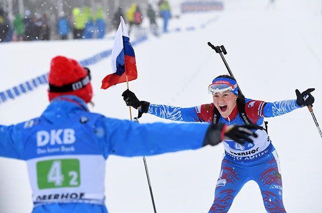 Екатерина Юрлова-Перхт на финише женской биатлонной эстафеты в Оберхофе. 13 января 2019 г.