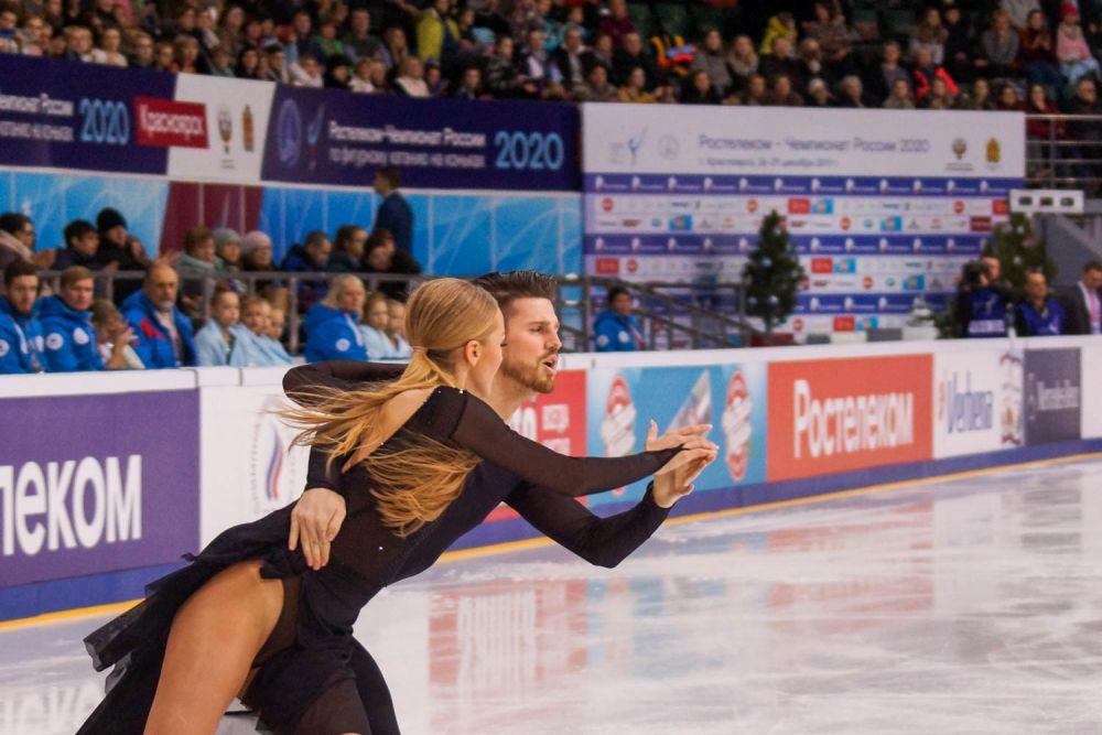 У занявших второе место Степановой с Букиным тоже высокие баллы.